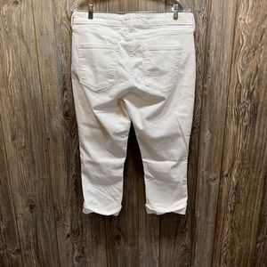Levi's Jeans - Signature Levi's  Strauss white jeans